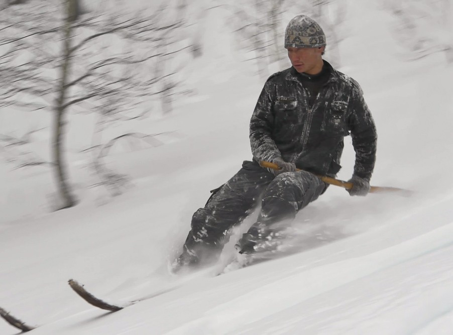 Ashatu driving his skis